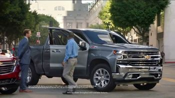 Chevrolet 4th of July Chevy Drive Event TV Spot, 'Can't Stop Staring' [T2] - Thumbnail 3