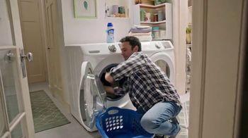 Lysol Laundry Sanitizer TV Spot, 'Love Them, Hate Their Laundry' - Thumbnail 7