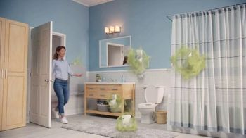 Febreze Small Spaces TV Spot, 'Every Flush'