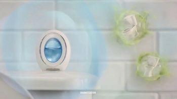 Febreze Small Spaces TV Spot, 'Every Flush' - Thumbnail 6
