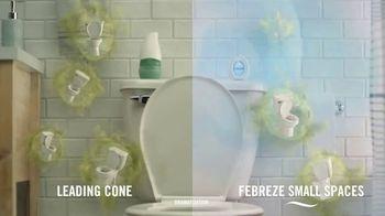 Febreze Small Spaces TV Spot, 'Every Flush' - Thumbnail 7