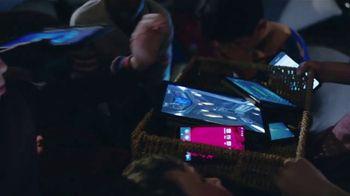 XFINITY xFi TV Spot, 'Shakedown: $40' Featuring Amy Poehler - Thumbnail 3