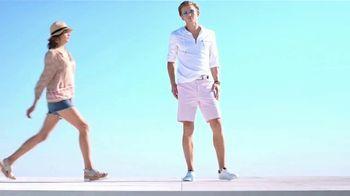 Macy's La Venta del 4 de Julio TV Spot, 'Sandalias, mezcladoras y almohadas' [Spanish] - Thumbnail 1