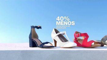 Macy's La Venta del 4 de Julio TV Spot, 'Sandalias, mezcladoras y almohadas' [Spanish] - Thumbnail 5