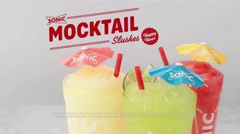 Sonic Drive-In Mocktail Slushes TV Spot, 'Cuando calienta el sol' canción de Luis Miguel [Spanish] - Thumbnail 8