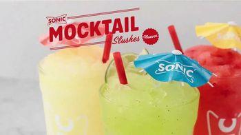 Sonic Drive-In Mocktail Slushes TV Spot, 'Cuando calienta el sol' canción de Luis Miguel [Spanish] - Thumbnail 2