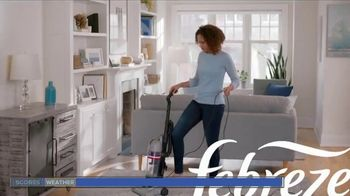 Febreze FABRIC Refresher Extra Strength TV Spot, 'Trapped Odors' - Thumbnail 1