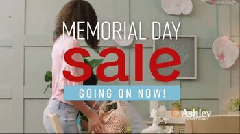 Ashley HomeStore Memorial Day Sale TV Spot, 'Summer's Hottest Deals: Dining Table and Sofa' Song by Midnight Riot - Thumbnail 2