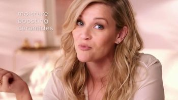 Elizabeth Arden Retinol Ceramide Capsules TV Spot, 'Rose Gold' Featuring Reese Witherspoon - Thumbnail 5
