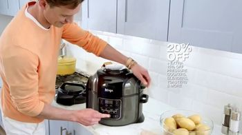 Macy's Memorial Day Sale TV Spot, 'Small Appliances, Bedding & Luggage' - Thumbnail 5