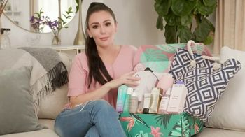 FabFitFun.com TV Spot, 'Summer Kit Unboxing' Featuring JWoww - Thumbnail 7