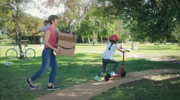 Amazon TV Spot, 'Summer Delivered: Home, Garden and More' Song by Ronnie Dove - Thumbnail 5