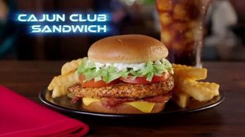 Zaxby's Cajun Club Sandwich Meal TV Spot, 'Men in Black: International' - Thumbnail 2