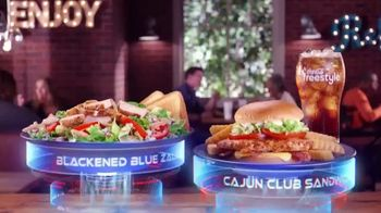 Zaxby's Cajun Club Sandwich Meal TV Spot, 'Men in Black: International' - Thumbnail 5