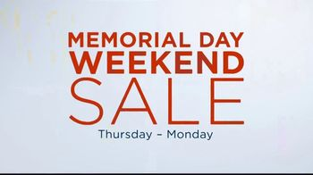Kohl's Memorial Day Weekend Sale TV Spot, 'Tees, Swimwear and Beach Towels' - Thumbnail 3