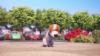 McDonald's Happy Meal TV Spot, 'The Secret Life of Pets 2: Waiting for You' Song by Richard Marx - Thumbnail 6