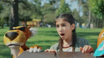 Cheetos Puffs TV Spot, 'Acrobat' - Thumbnail 7