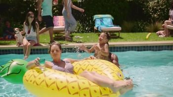 Kohl's Memorial Day Weekend Sale TV Spot, 'Kids Clothing, Flip Flops and Chair' - Thumbnail 9
