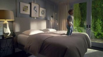 Sleep Number Memorial Day Weekend Special TV Spot, 'Hit the Ground Running: Plus Zero Interest' - Thumbnail 1