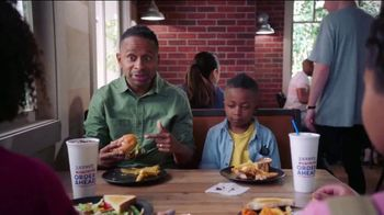 Zaxby's Cosmic Chocolate Cookie TV Spot, 'Men in Black: International: Another Cookie' - Thumbnail 6
