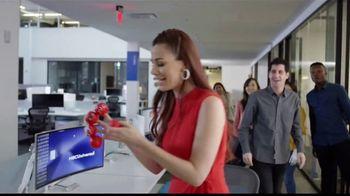 Walgreens TV Spot, 'NBC Universal: Red Nose Day' con Nastassja Bolívar [Spanish] - Thumbnail 4