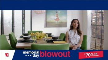 Overstock.com Memorial Day Blowout TV Spot, 'Table Runner' - Thumbnail 6