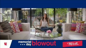 Overstock.com Memorial Day Blowout TV Spot, 'Table Runner' - Thumbnail 7
