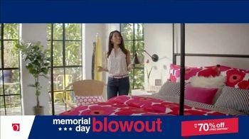 Overstock.com Memorial Day Blowout TV Spot, 'Table Runner' - Thumbnail 9