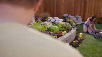 Lowe's TV Spot, 'Do Summer Right: Mulch and Garden Soil'