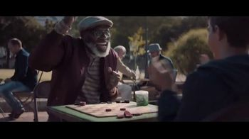 Extra Refreshers Gum TV Spot, 'Max & Bill: Dance Off' Song by Jacob Banks
