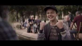 Extra Refreshers Gum TV Spot, 'Max & Bill: Dance Off' Song by Jacob Banks - Thumbnail 3