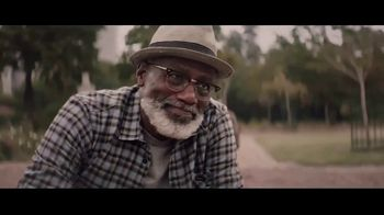 Extra Refreshers Gum TV Spot, 'Max & Bill: Dance Off' Song by Jacob Banks - Thumbnail 4