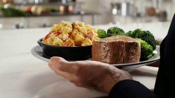 Outback Steakhouse Steak & Lobster TV Spot, 'It's Back: Lunch' - Thumbnail 3