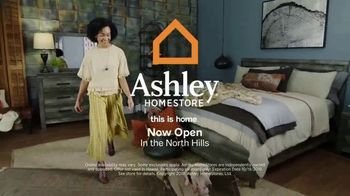 Ashley HomeStore Columbus Day Sale TV Spot, 'Save 30 Percent' Song by Midnight Riot - Thumbnail 9