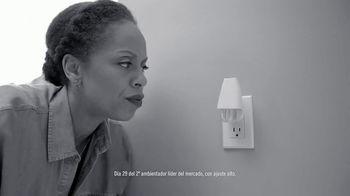 Febreze PLUG TV Spot, 'Nuevo comienzo' [Spanish] - Thumbnail 4