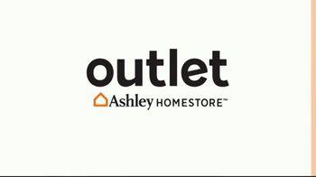 Ashley HomeStore Outlet TV Spot, 'Columbus Day Deals' - Thumbnail 1