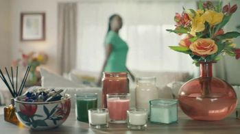 Gain Detergent Scent Blast TV Spot, 'The More the Better' Song by Giacomo Puccini - Thumbnail 1