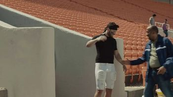 Progressive TV Spot, 'Baker Mayfield Cleans House' - Thumbnail 3
