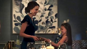 Pier 1 Imports TV Spot, 'Entertaining Is in Season With Elegant Indigo' - Thumbnail 7