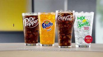McDonald's Spicy BBQ Glazed Tenders & Chicken Sandwich TV Spot, 'Acordeón: bebidas' [Spanish] - Thumbnail 9