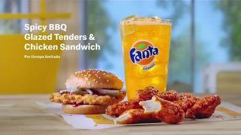 McDonald's Spicy BBQ Glazed Tenders & Chicken Sandwich TV Spot, 'Acordeón: bebidas' [Spanish] - Thumbnail 7