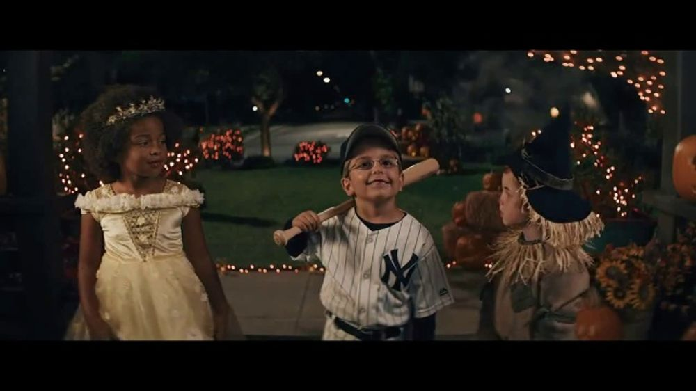 GEICO TV Commercial, 'Trick or Treat'