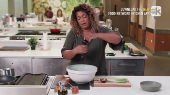 Food Network Kitchen App TV Spot, 'Sunny's Pepper Grinder Trick' - Thumbnail 5