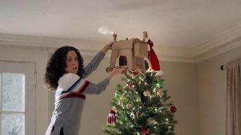 Capital One Walmart Rewards Card TV Spot, 'Holiday Hints' - Thumbnail 3