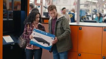 Capital One Walmart Rewards Card TV Spot, 'Holiday Hints' - Thumbnail 7