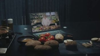 Postmates TV Spot, 'Burger and Fries: Delivery Credit' Featuring Martha Stewart - Thumbnail 4