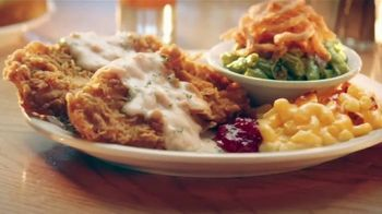 Cracker Barrel Country-Fried Turkey TV Spot, 'Warm Feelings of Home' - Thumbnail 4