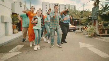 Boost Mobile Unlimited Gigs TV Spot, 'Boost Mobile y Pitbull te dan más' canción de Pitbull [Spanish] - Thumbnail 5