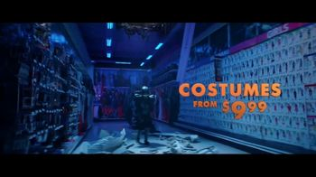 Party City TV Spot, 'Halloween: Costumes Up to 60 Percent Off' Song by Wilson Pickett - Thumbnail 3