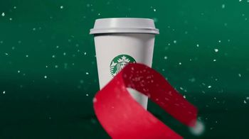 Starbucks Peppermint Mocha TV Spot, 'Moment of Merry' - Thumbnail 3